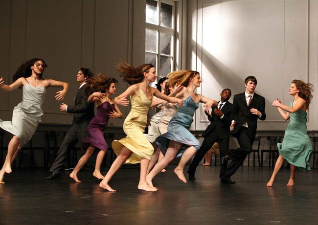 les-reves-dansants-sur-les-pas-de-pina-bausch-2010-20371-918017180